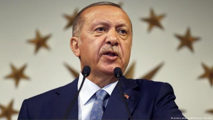 Reaksi Warga Turki Soal Ancaman Erdogan Boikot iPhone